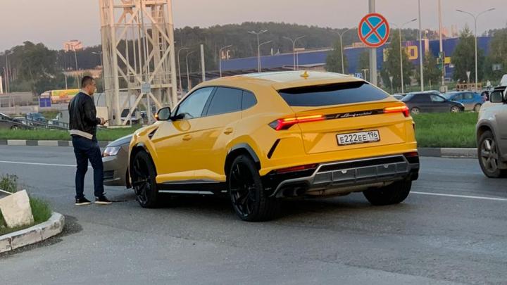 «Lamborghini объезжал пробку по встречке»: очевидец — о резонансном ДТП у «Меги»