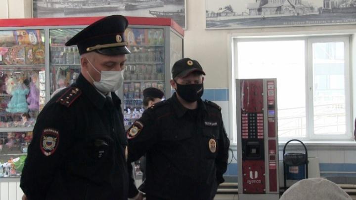 В Ярославле устроили облаву на нарушителей масочного режима: как это происходит