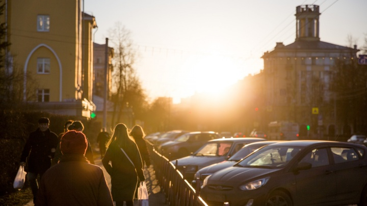 «Люди не будут стремиться на улицу»: синоптики сообщили о противоречивой погоде в апреле