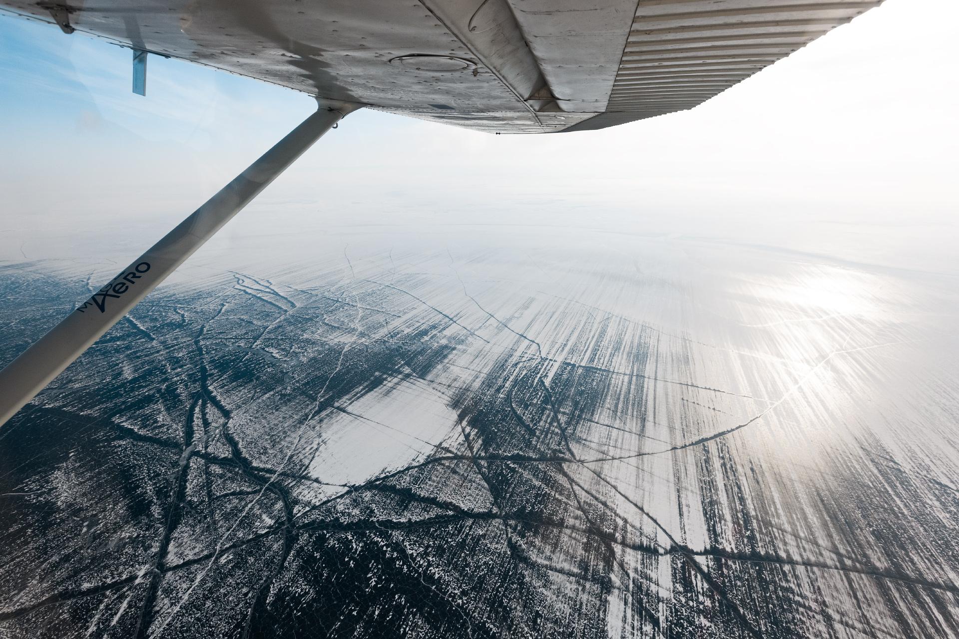Главной целью было не просто полетать над Байкалом, но и сесть на лёд