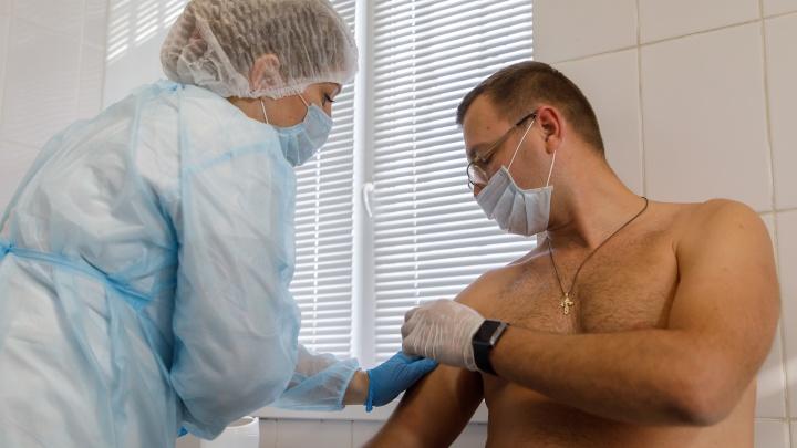 Всё распределяет Минздрав: в Волгоградской области признали нехватку вакцины отCOVID-19