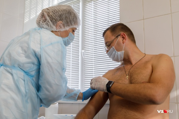 В списках ожидания вакцины находятся тысячи волгоградцев