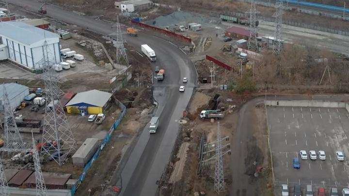«Встанем в пробки?»: на Заводском шоссе заметили «бутылочное горлышко»