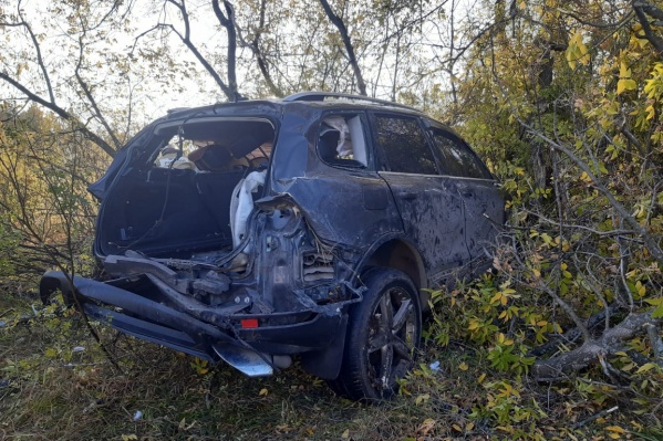 """26 сентября<a href=""""https://ngs55.ru/news/more/69482159/"""" target=""""_blank"""" class=""""_"""">произошла авария</a>, в которой трое пассажиров скончались на месте до приезда скорой помощи"""