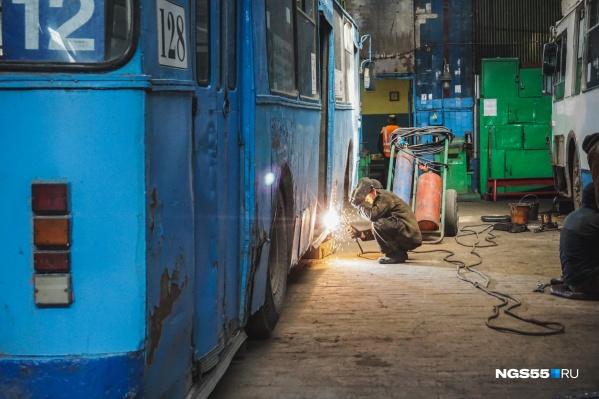 Сейчас работники «Электрического транспорта» следят за более старыми машинами