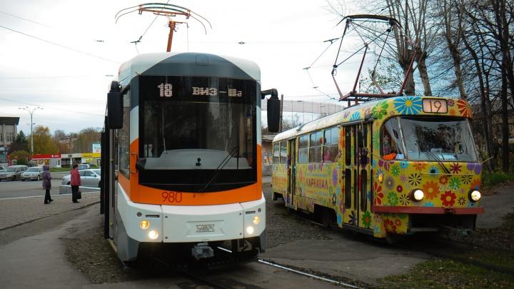 В мэрии рассказали, что в Екатеринбурге появятся большие автобусы и трамваи