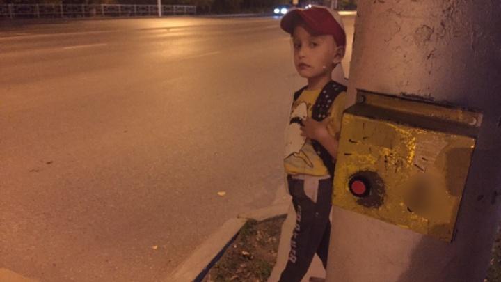 «Страшно за детей»: жительница Уфы пожаловалась на кнопку светофора, которая не работает неделю