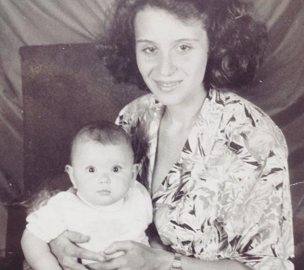 Малышка на фото — криминальный журналист НГС Алёна Истомина в 1994 году