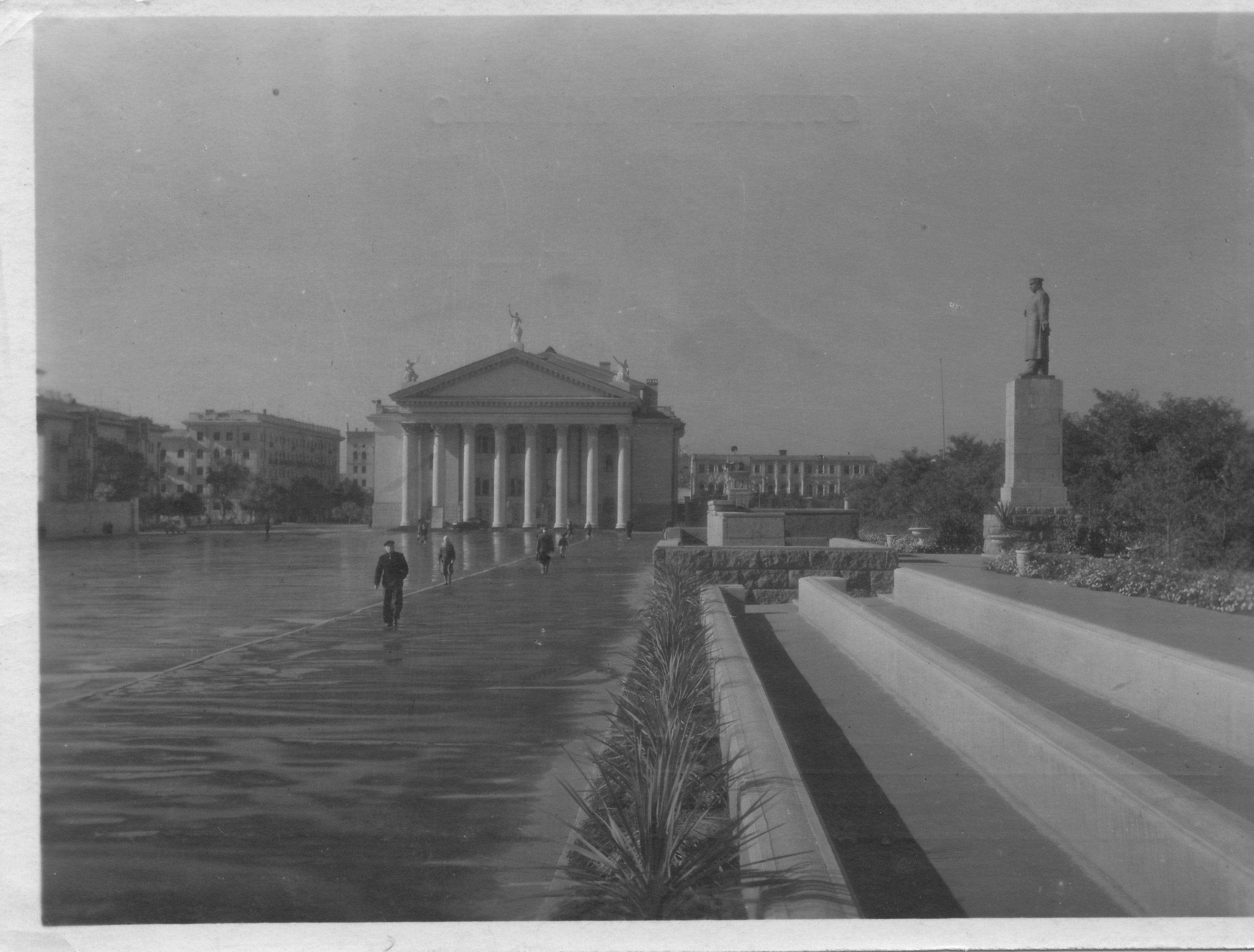Историческая трибуна помнила Сталина, но не пережила Бочарова