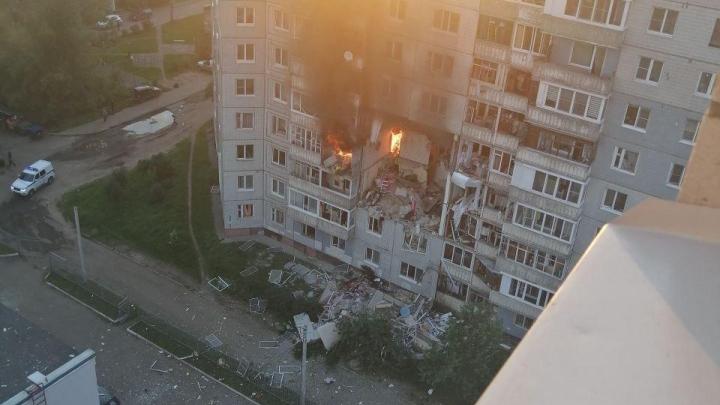 Разворотило подъезд: в Ярославле произошёл взрыв в жилом доме