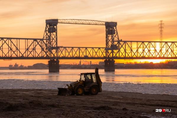Во время ремонта на Северодвинском мосту автодвижение возможно по Краснофлотскому<br>