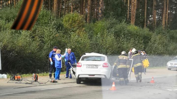 Авария на ЕКАД собрала 15-километровую пробку. Пострадавшего водителя вырезали из машины