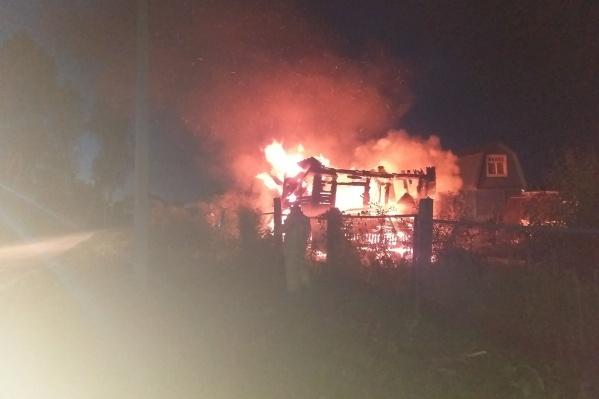 Дом за 3 миллиона сгорел полностью