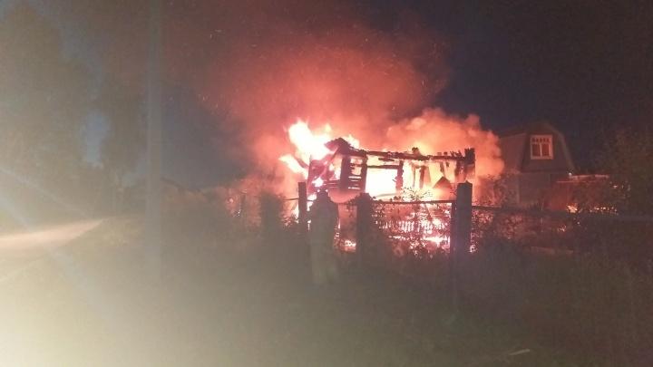 В Ярославской области обиженный охранник спалил коттедж хозяина