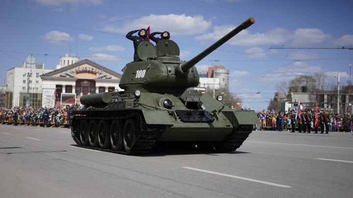 Легендарный Т-34, социальная дистанция и военные в масках: как будет проходить парад в Омске