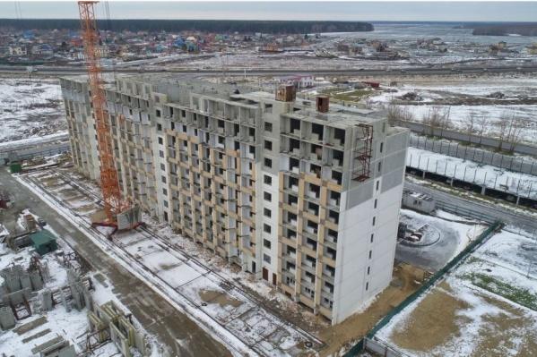 Компании должны помочь застройщику завершить строительство нескольких домов