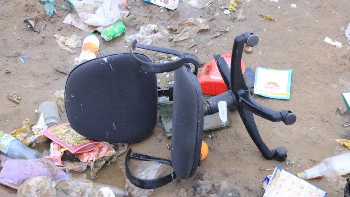 «ЭкоИнтегратор» упрекнул власти в том, что к Бревеннику и Хабарке не подъехать за мусором