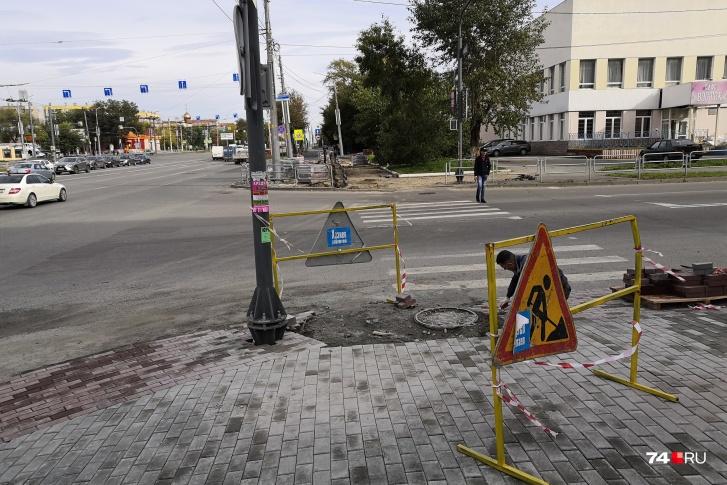 В мэрии Челябинска ответили на претензии по ремонту перекрёстка, где рабочий напал на роллера
