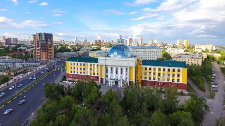 Больше 800 студентов КрасГМУ заявили о желании работать в «красной» зоне