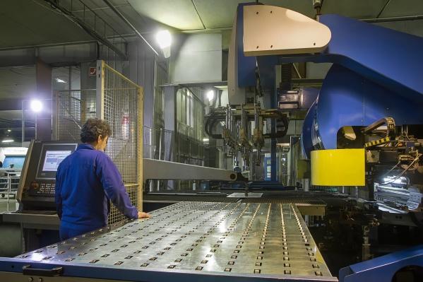 Работа в сфере производства медицинского оборудования востребована и хорошо оплачивается во все времена
