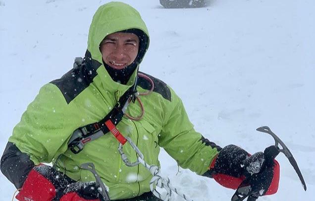 «Все интересуются, откуда в горах интернет»: безногий альпинист из Башкирии — о восхождении на Эльбрус