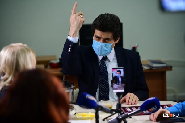Александр Высокинский в очередной раз ответит на вопросы читателей в прямом эфире в ближайший четверг