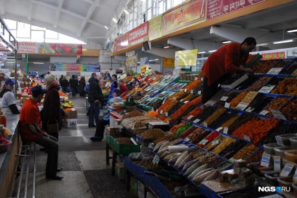 В Новосибирске рынки не работали больше месяца