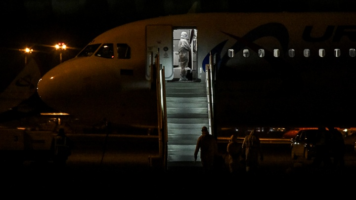 В Екатеринбург прилетел самолет с туристами, эвакуированными из Душанбе