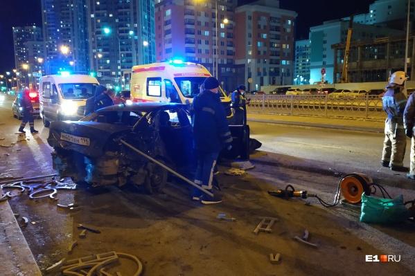 По словам очевидцев, никто в машине не был пристегнут