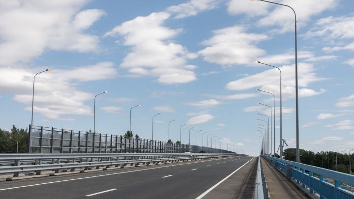 Вооруженные люди взяли под контроль волгоградский мост через Ахтубу