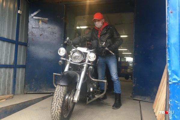 Мотоцикл прислали Сергею Скопову из США