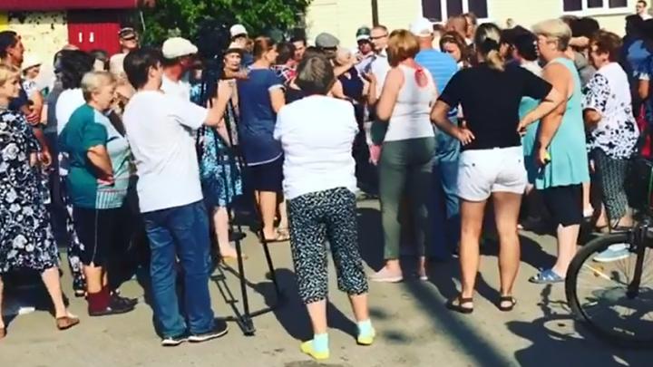 Проблемы с водой в пригороде Челябинска, переросшие в стихийный митинг, заинтересовали прокуратуру