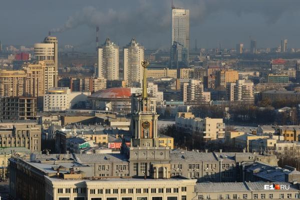 В Екатеринбурге продолжается работа по подключению тепла