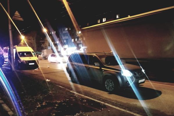 Мужчина умер в машине скорой помощи