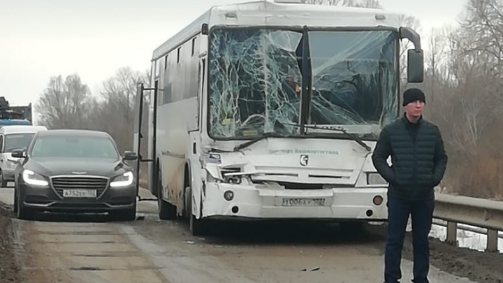 Автобус с пассажирами из Башкирии попал в ДТП в Татарстане