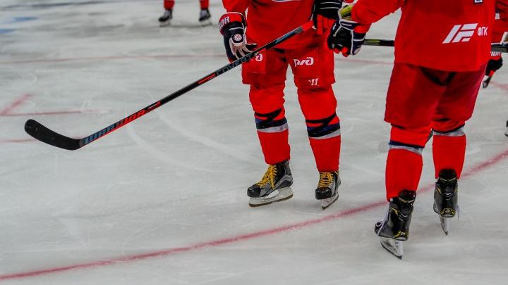 Сформировали состав, несмотря на COVID: ярославский «Локомотив» возобновит игры в чемпионате