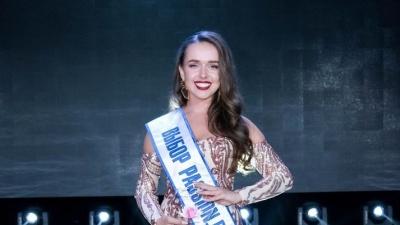 «Пришлось переодеваться прямо перед сценой»: волгоградка впервые пробилась в финал конкурса «Мисс Офис»