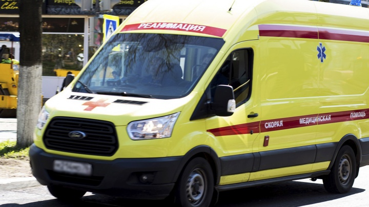 Женщина скончалась в больнице: в Ярославле разыскивают водителя, который сбил пешехода и уехал