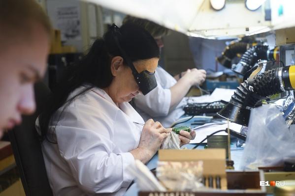 За месяц завод в Екатеринбурге должен произвести 720 аппаратов