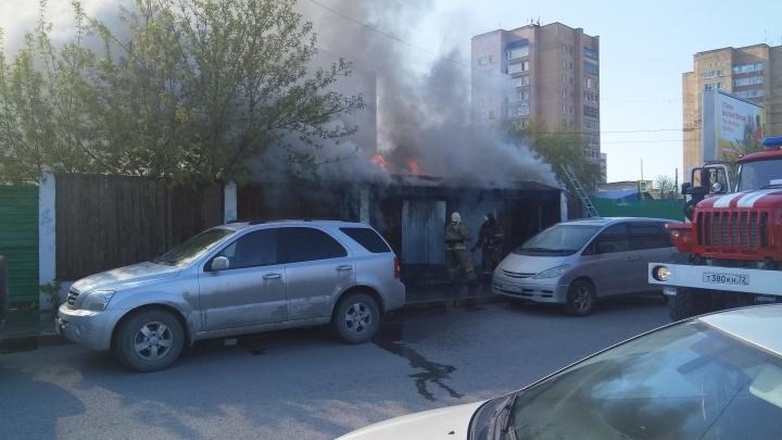 В утреннем пожаре на Товарном шоссе погиб человек