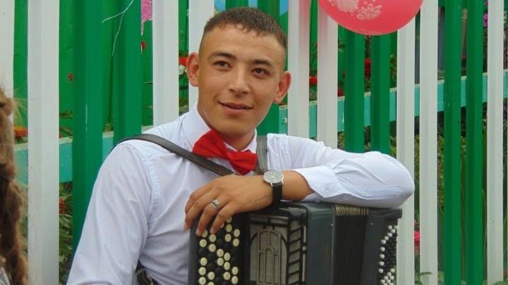 Вертухай с кураем: история музыканта-самоучки из Башкирии, променявшего флейту на работу в зоне