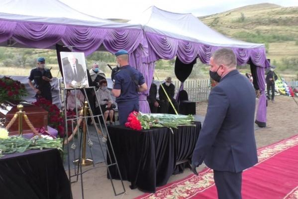 Губернатор у гроба Владимира Ерофеева