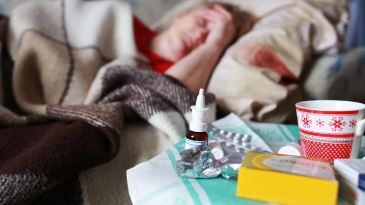 «Ждали еще в ноябре»: почему возникли проблемы с бесплатными лекарствами от COVID