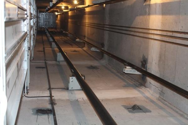 Новые лифты относятся к самому высшему классу энергосбережения, что позволит собственникам экономить на счетах за свет