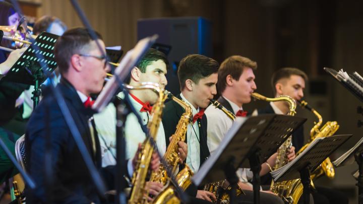 В Ростове проведут джазовый фестиваль ко Дню города. Изучаем смету