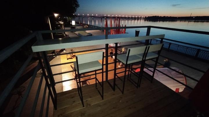 В Перми на набережной открылось новое кафе «Контейнер» с летником на крыше