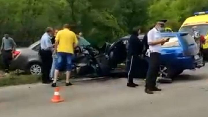 «Лоб в лоб»: появилось видео жуткой аварии под Волгоградом с четырьмя погибшими