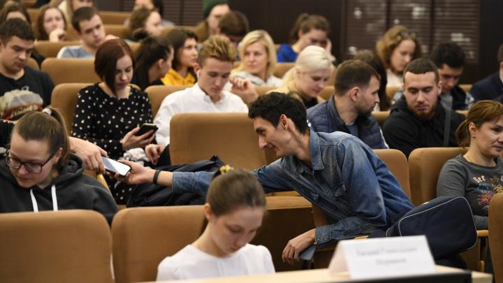 «Студенты не знали, как включается оборудование»: как разные поколения относятся к образованию