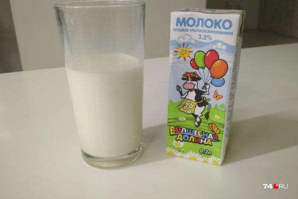 Такое молоко бесплатно дают во многих школах Челябинска