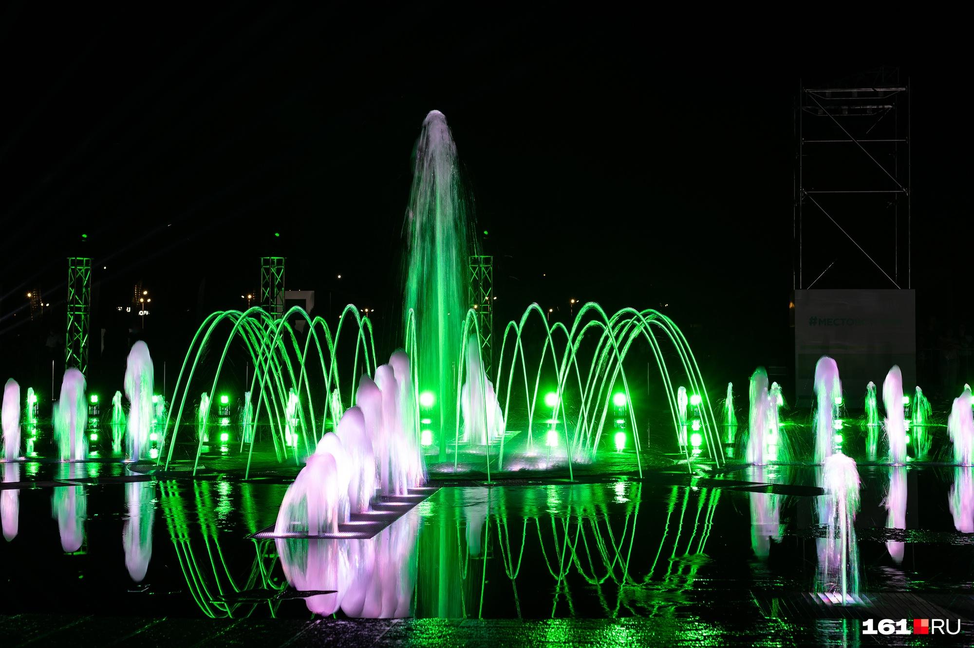 Возможности нового фонтана — 286 струй высотой до 10 метров